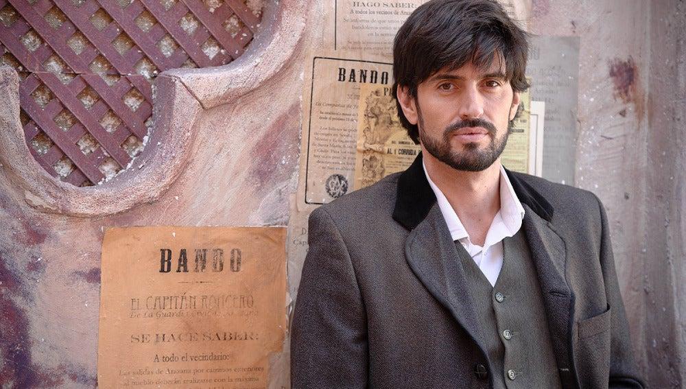 Carlos García es Emilio Roca