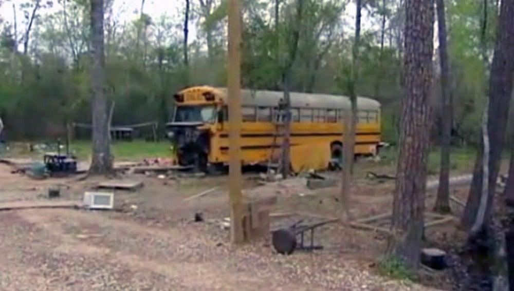 Autobús escolar en el que vivían los niños