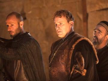Rodrigo, Miranda y Abraham en la búsqueda del tesoro de los templarios