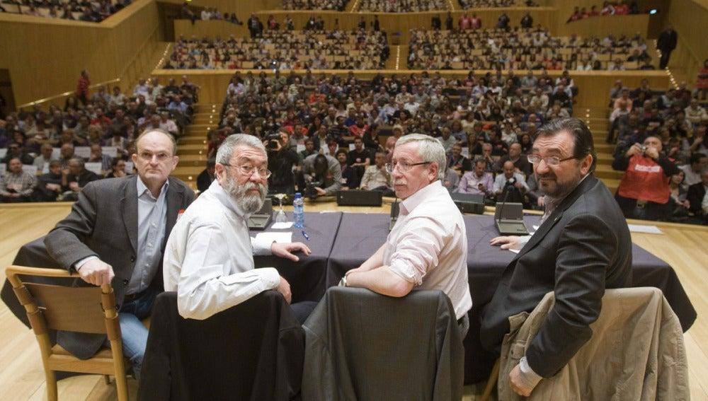 Los secretarios generales de CCOO, Ignacio Fernández Toxo, y UGT, Cándido Méndez