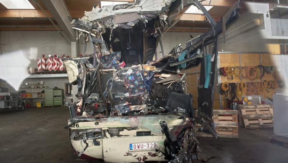 Autobus destrozado
