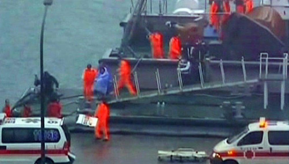 Rescate en un carguero en Taiwán