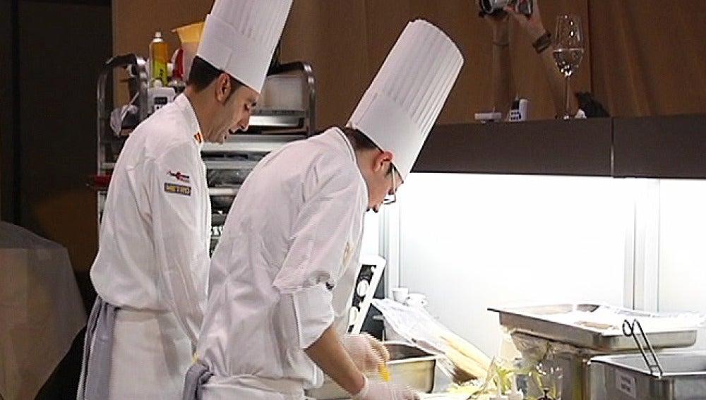 20 chefs compiten en Bruselas por entrar en el campeonato del mundo de cocina