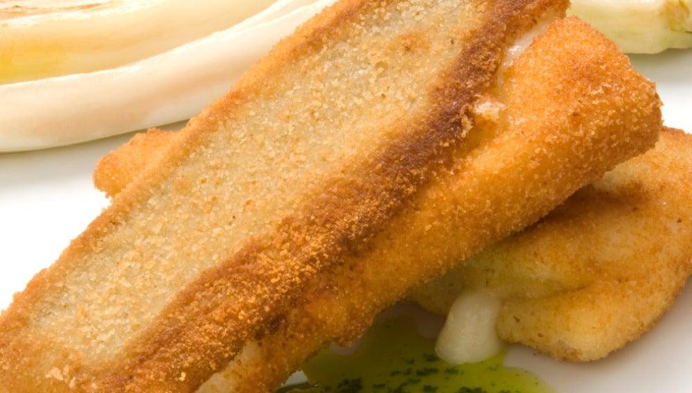 Filetes de gallo rellenos de queso con verduras a la plancha