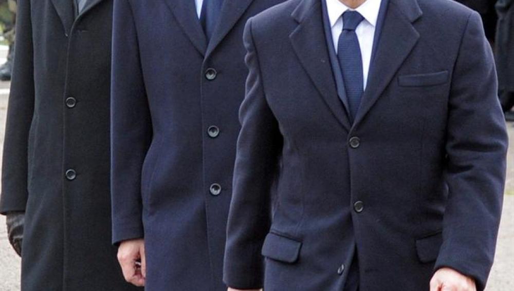 Nicolás Sarkozy junto a los ministros de Defensa e Interior
