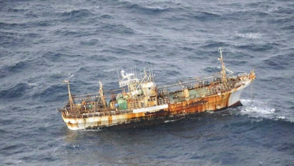 El pesquero, a la deriva