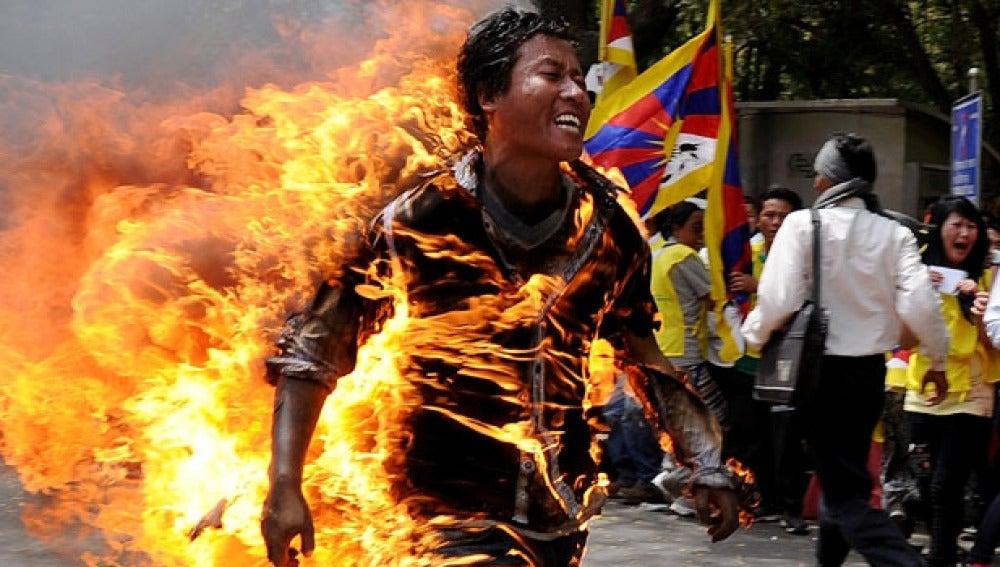 Activista tibetano se quema a lo bonzo