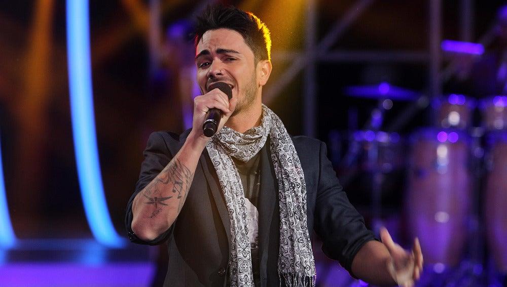 Gala 1 | Pablo Vega canta 'Aléjate de mí'