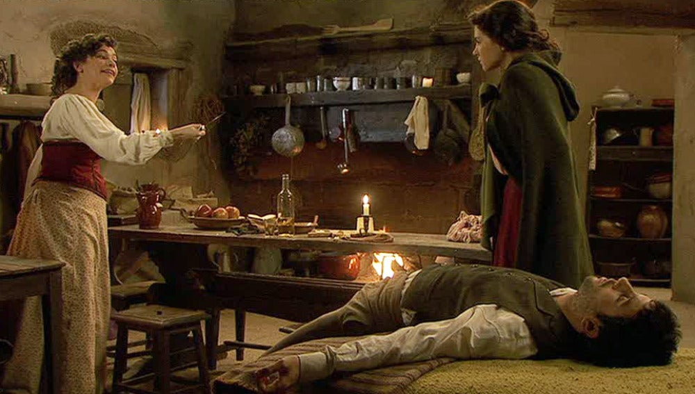 Enriqueta sorprende a Julieta robando a Juan