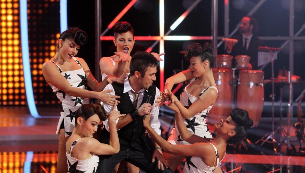 Deme con las bailarines