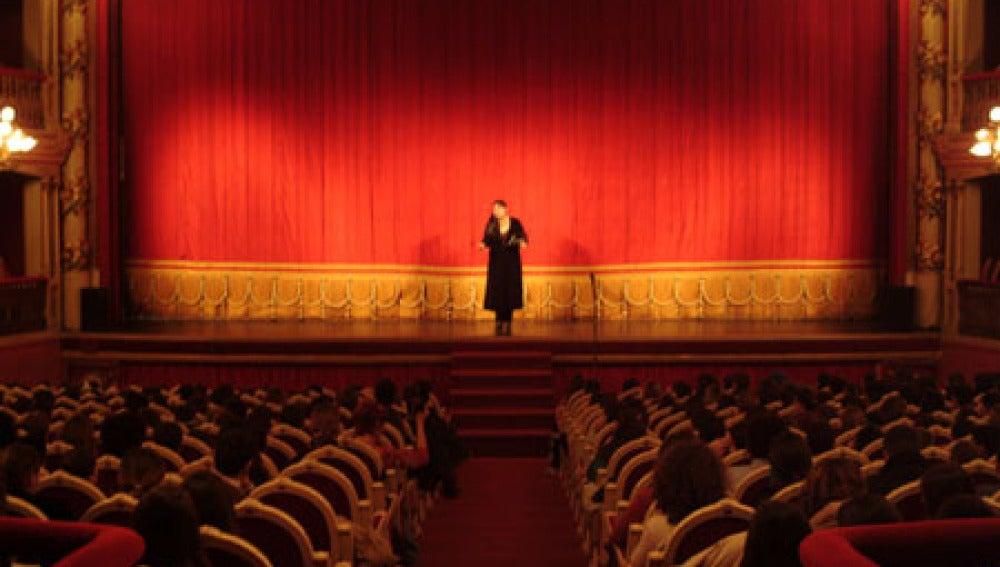Imagen de archivo de un escenario teatral.