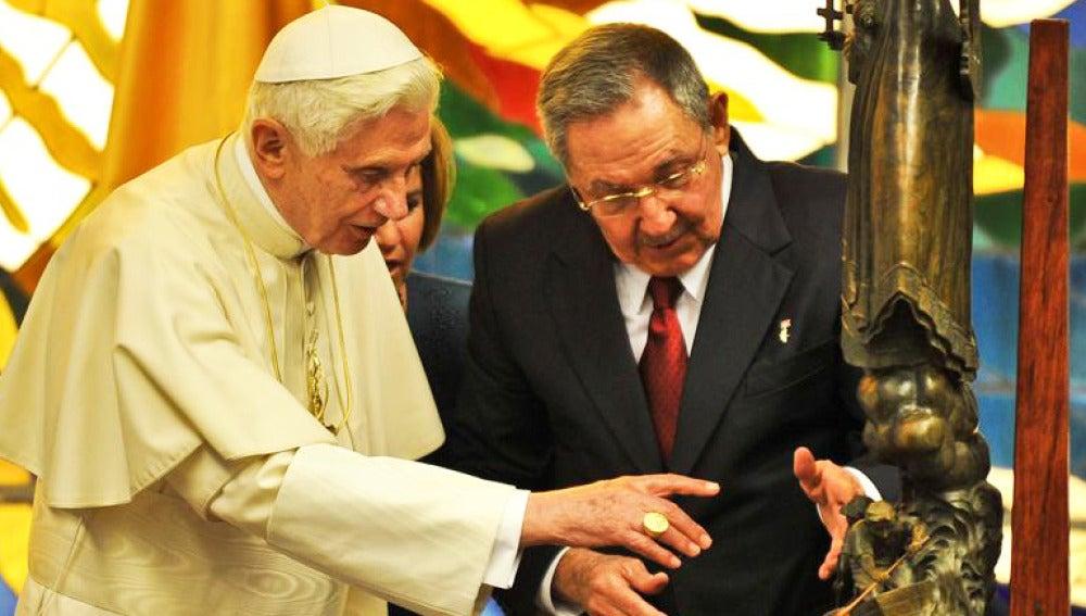El Papa se reune con Raul Castro y pasa sus últimas horas en La Habana