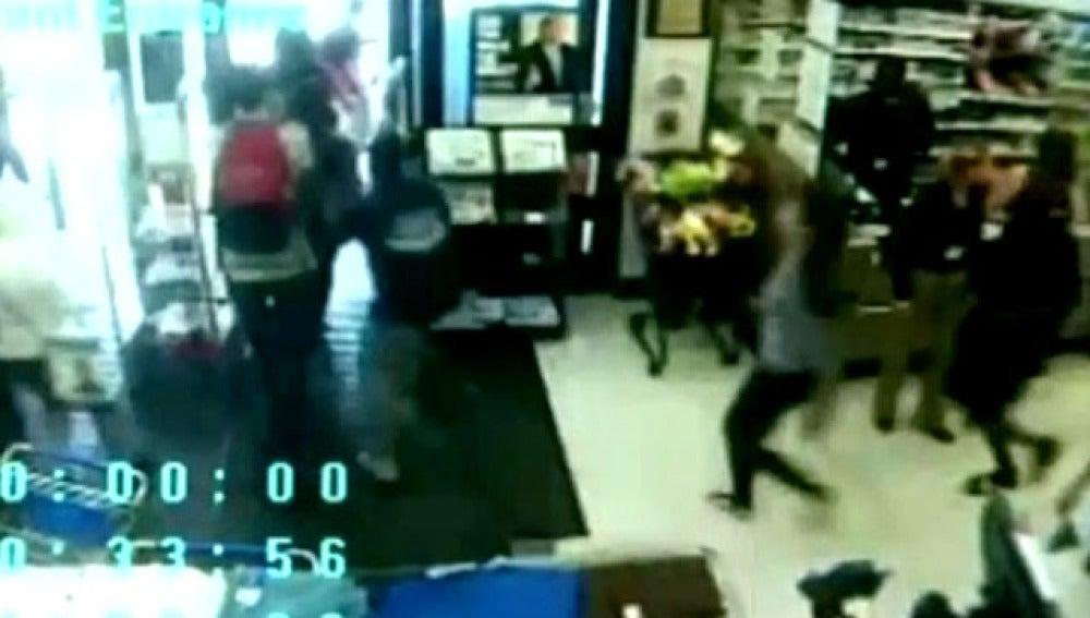 asaltan supermercado