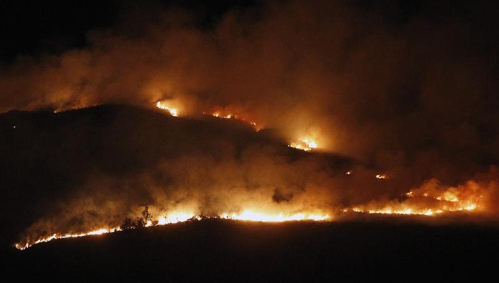 Vista desde el municipio de Socabarga del incendio