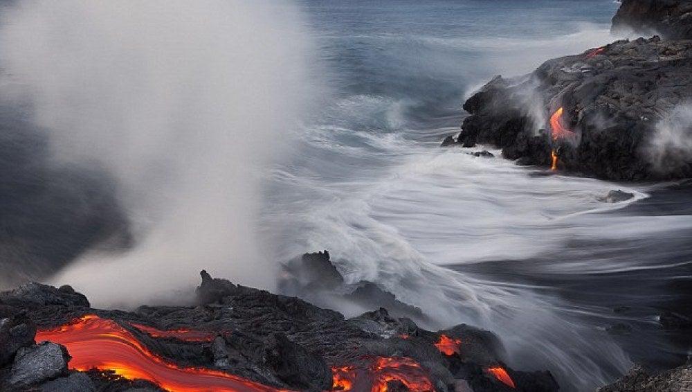 Fuego y mar en el Kilauea
