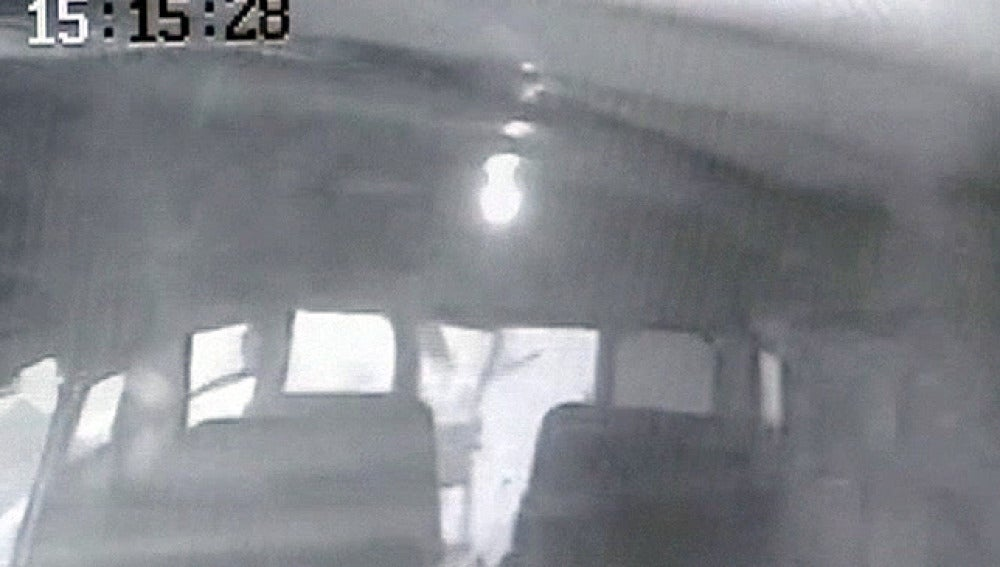 Un tornado dese el interior de un autobús