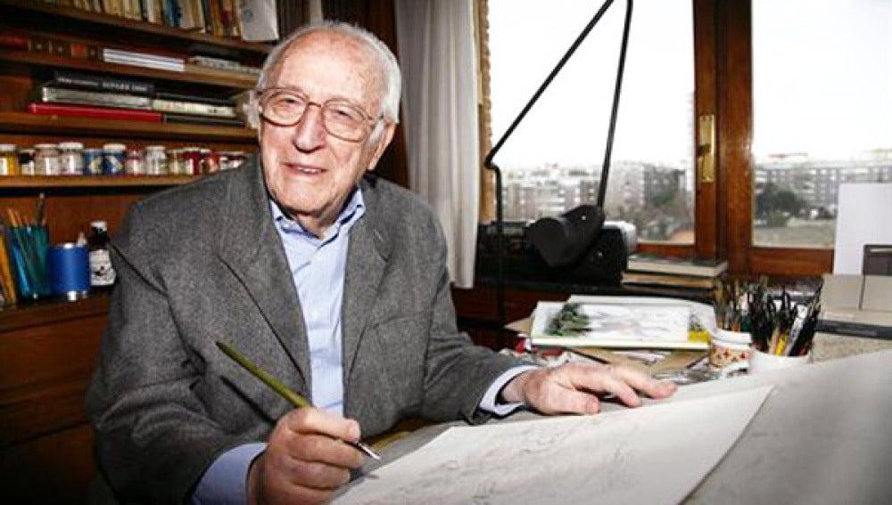 Antonio Mingote en su estudio.