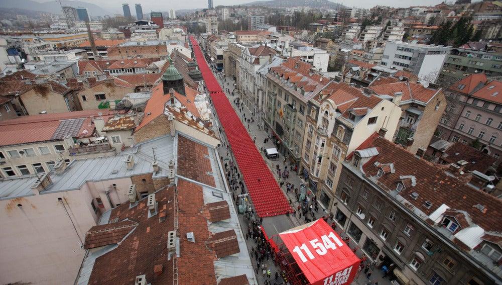 Miles de sillas rojas en Sarajevo