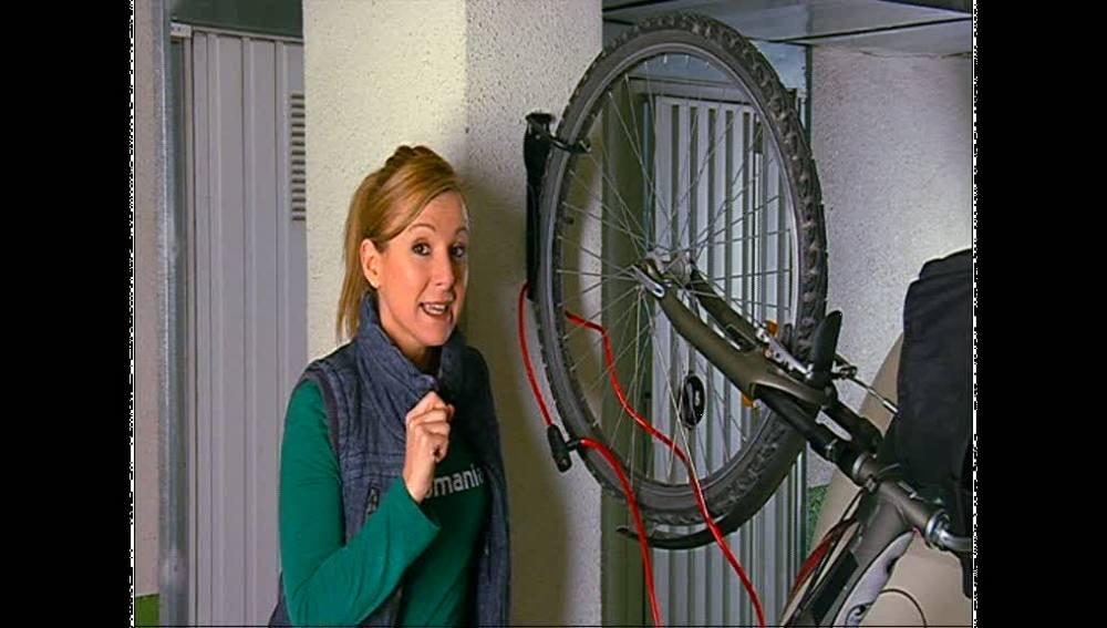 Un colgador para tu bici en el garaje