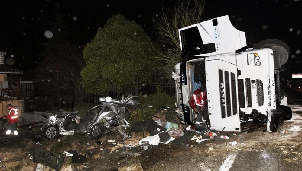 Estado en el que ha quedado el vehículo tras un accidente en Pamplona