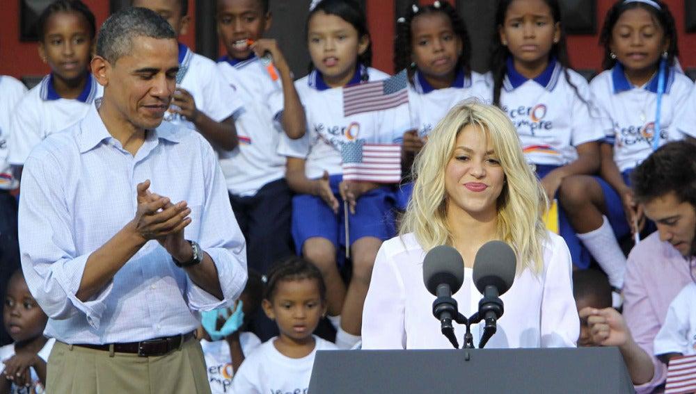 Shakira junto a Barack Obama