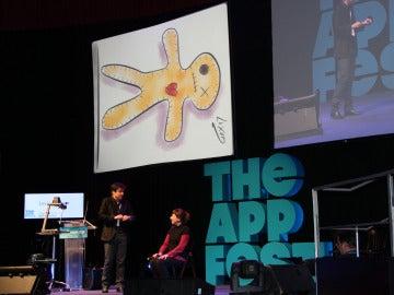 Javier Luxor hace budú con una app