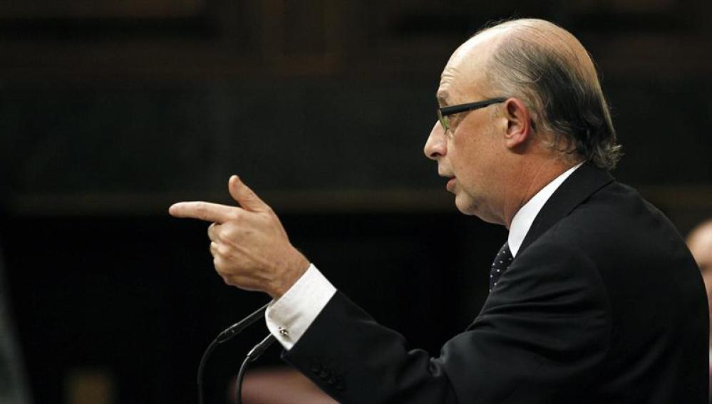 Cristóbal Montoro anuncia que el déficit del Estado se situó en marzo en el 0,83 % del PIB