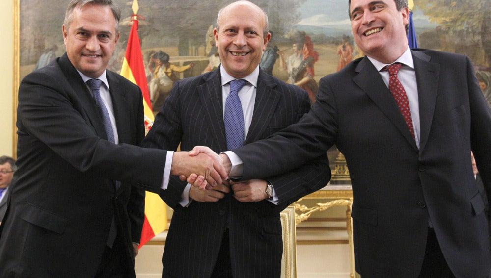 José Ignacio Wert junto a Miguel Cardenal y José Luis Astiazarán