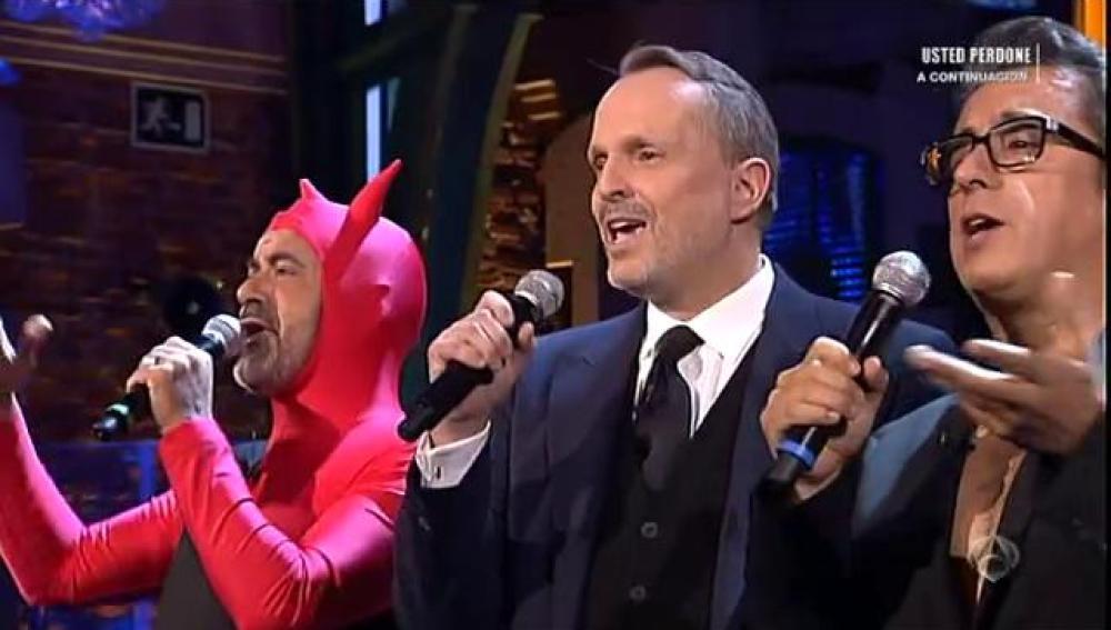 Karaoke con Miguel Bosé