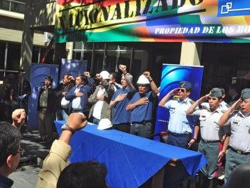 Evo Morales asiste al acto de toma de las oficinas de la Transportadora de Electricidad.