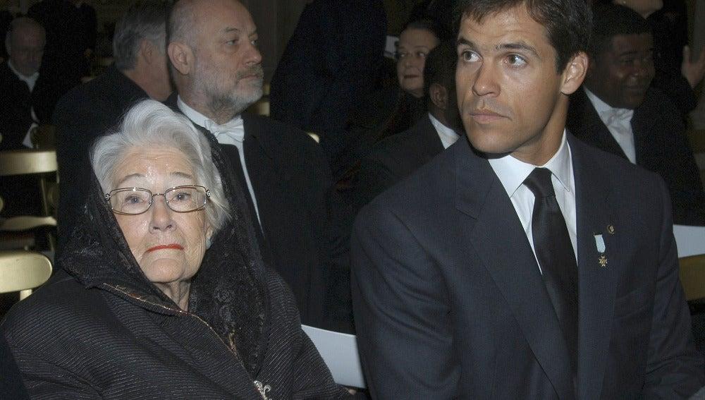 Emmanuelle Dampierre y su nieto Luis Alfonso de Borbón