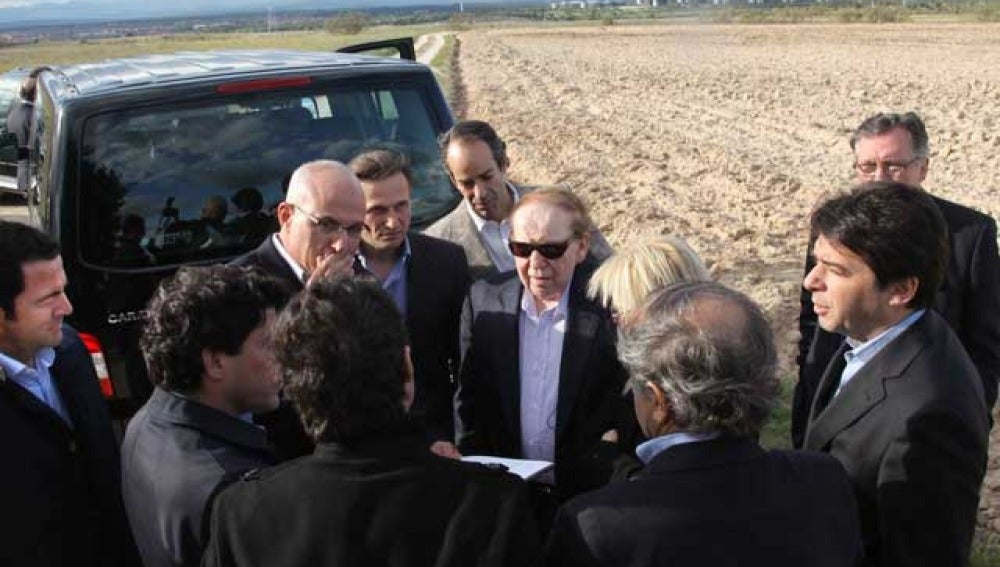 Sheldon Adelson visita los terrenos de Alcorcón