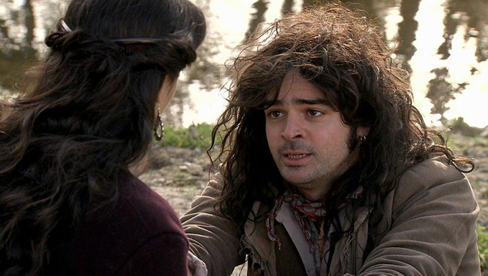El Chato le pide a Lupe que se aleje de él