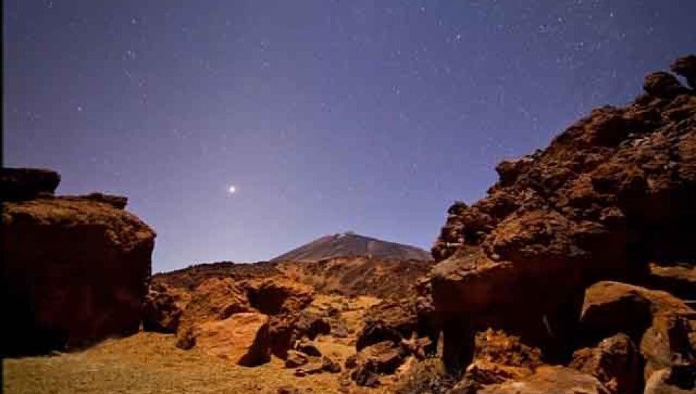 Imagen del cielo de Canarias elegida por la NASA