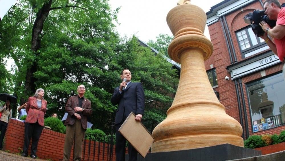La mayor pieza de ajedrez del mundo