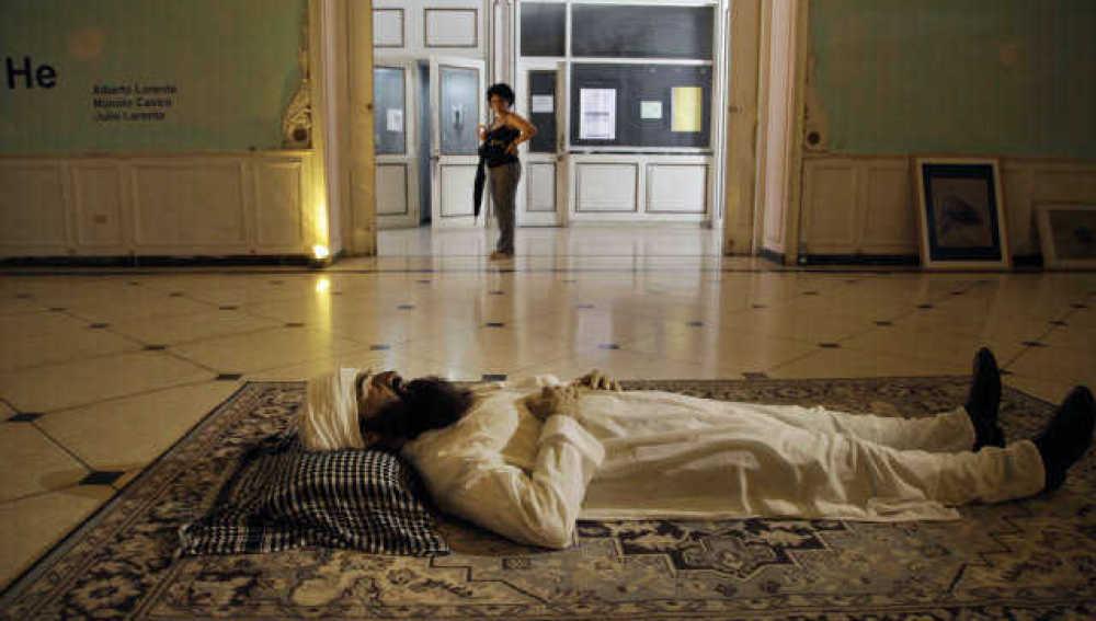 Aparece una estatua del cadáver de Osama Bin Laden en Cuba