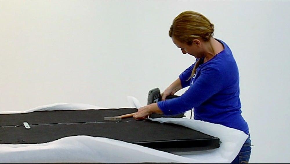 Antena 3 tv tapiza f cil el cabecero de tu cama - Como tapizar un cabecero de cama ...