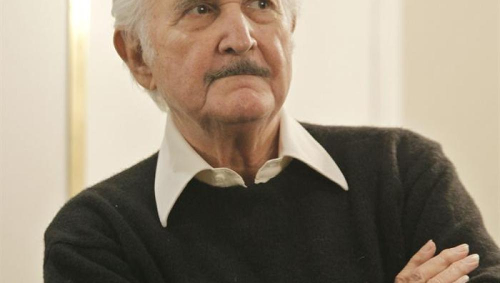 Imagen del escritor mexicano Carlos Fuentes.
