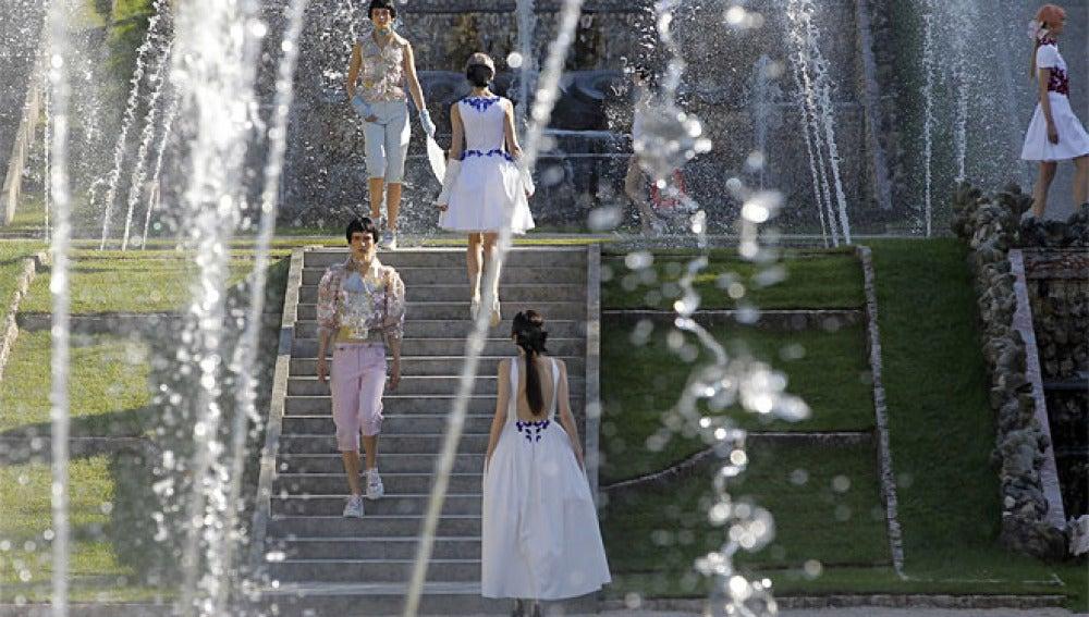 Diseños de Karl Lagerfeld en Versalles