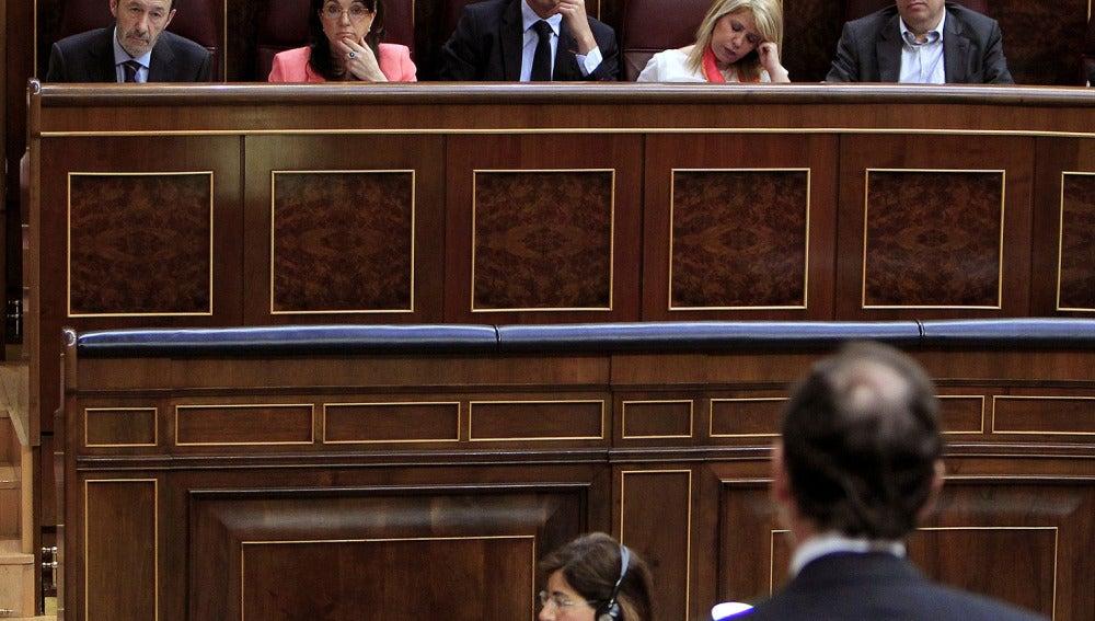 Rubalcaba ofrece diálogo a Rajoy