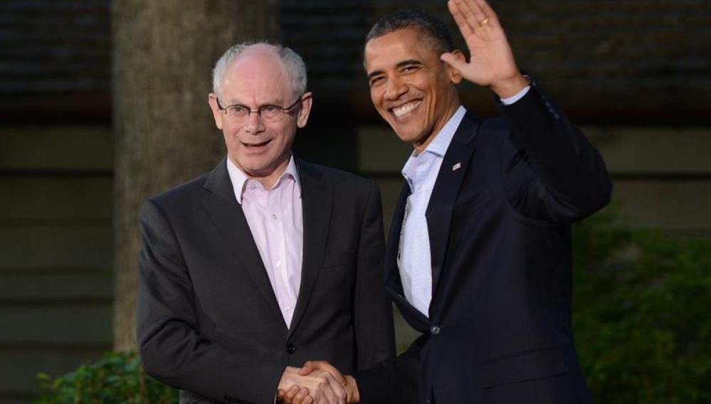 El presidente estadounidense, Barack Obama, recibe al presidente del Consejo Europeo, Herman Van Rompuy