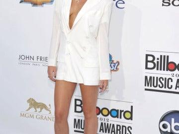Miley Cyrus se olvidó el vestido en casa