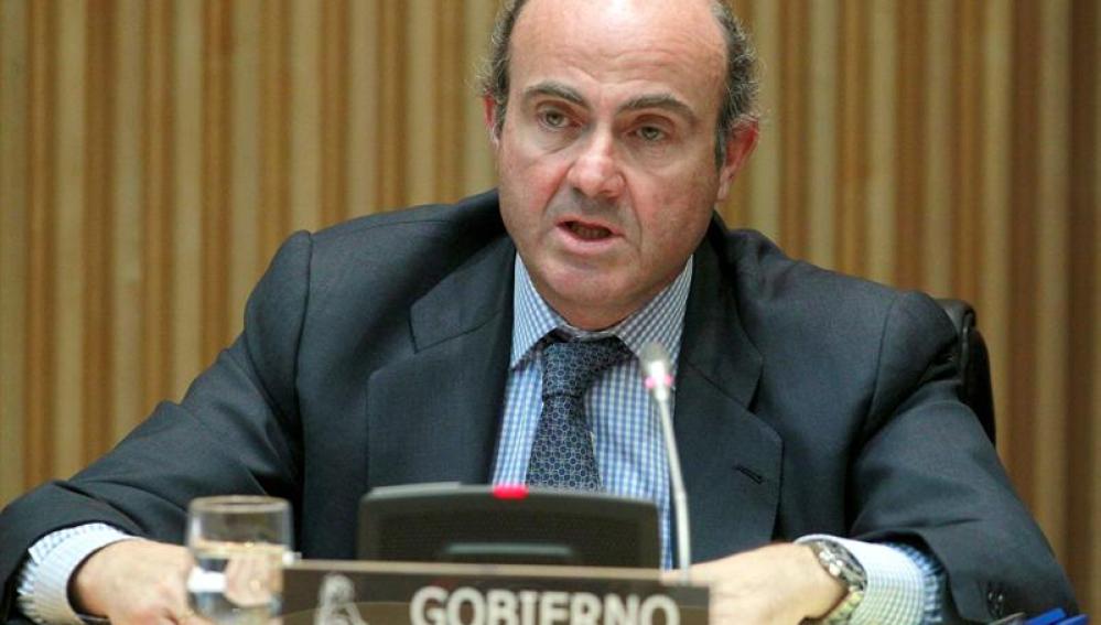 Luis de Guindos, en la comisión de Economía del Congreso