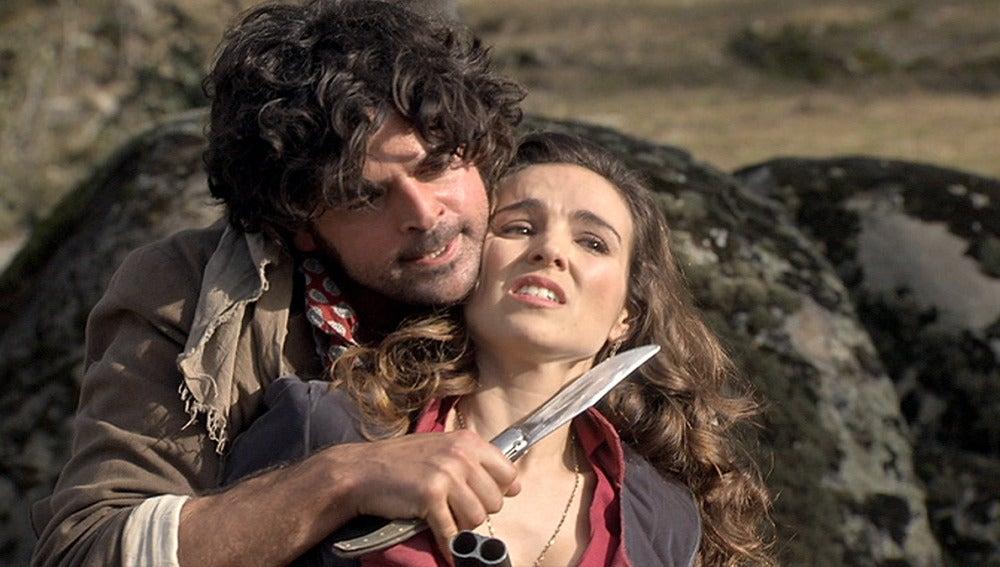El Chato secuestra a Lucía