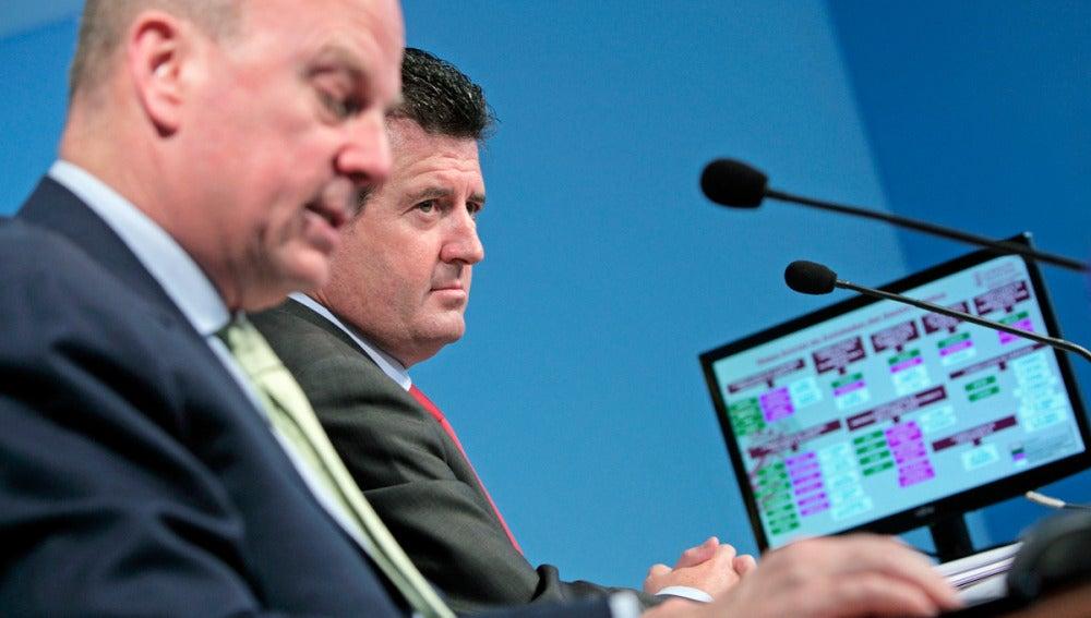 El vicepresidente y portavoz del Consell, José Ciscar junto al conseller de Economía, Máximo Buch
