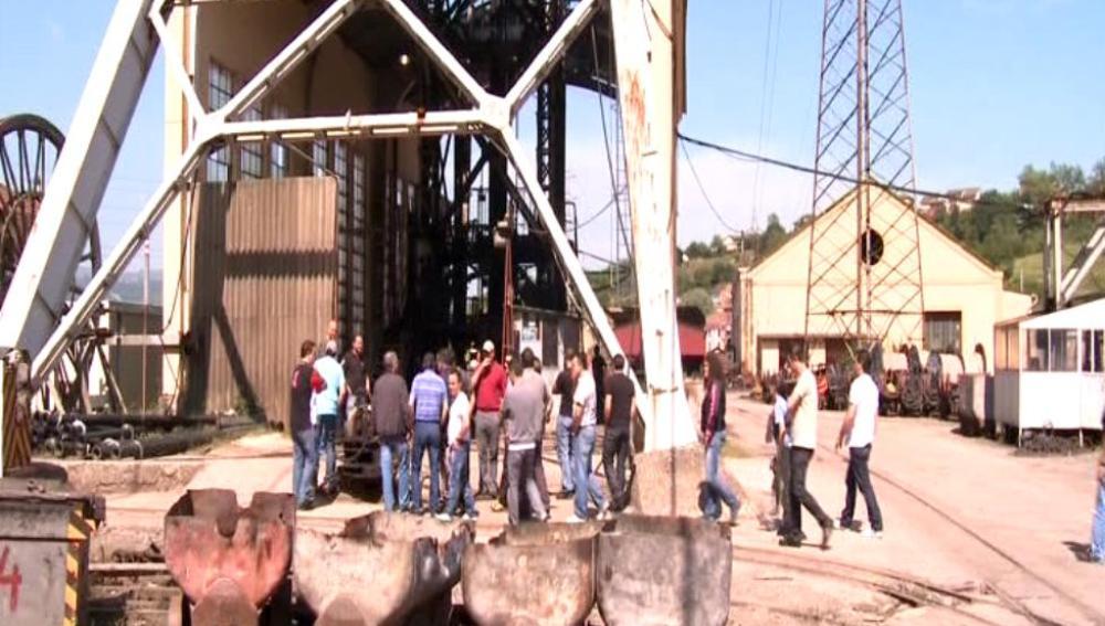 Diez mineros se encierran en Asturias