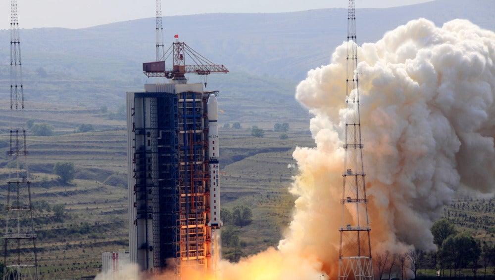 Lanzan un satélite (30-05-2012)
