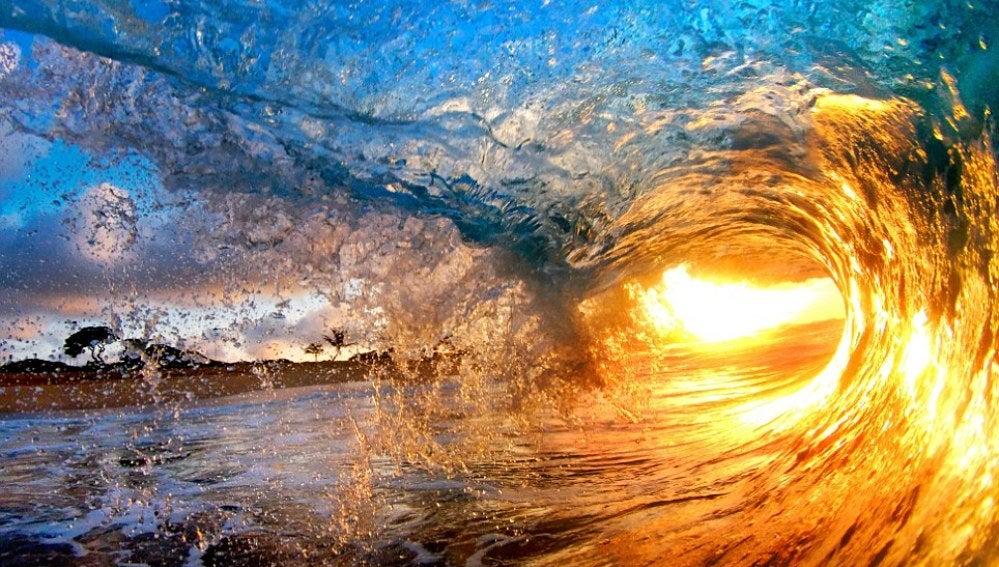 Dentro de una ola 1