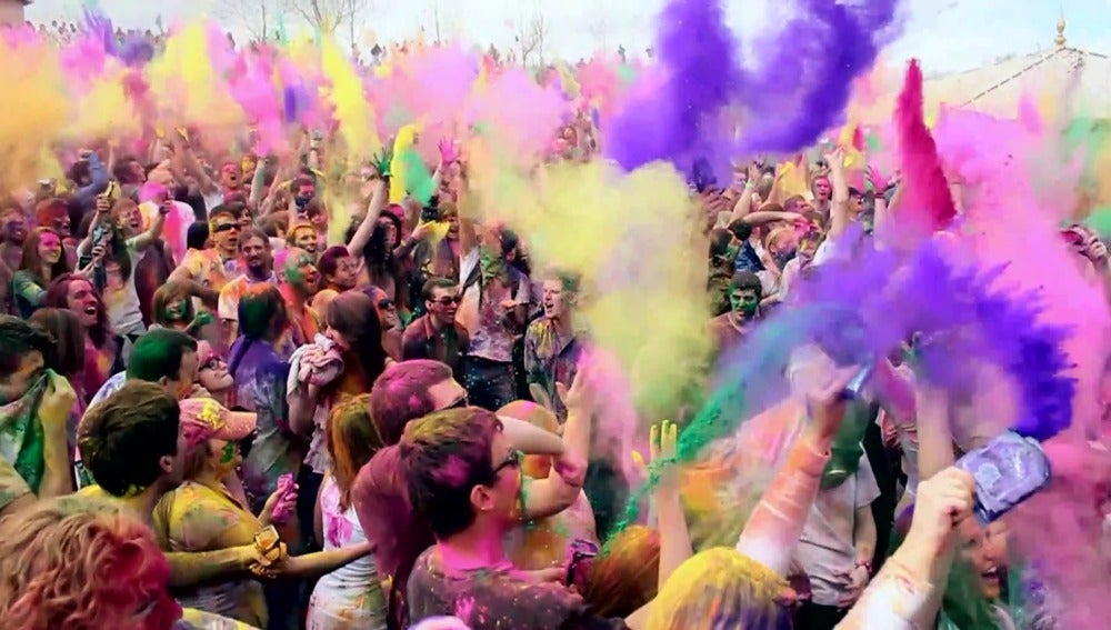 Explosión de color... y juerga
