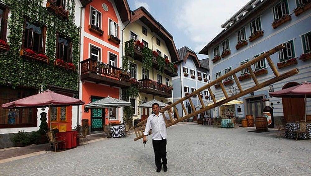 China copia un pueblo entero de Austria a tamaño real
